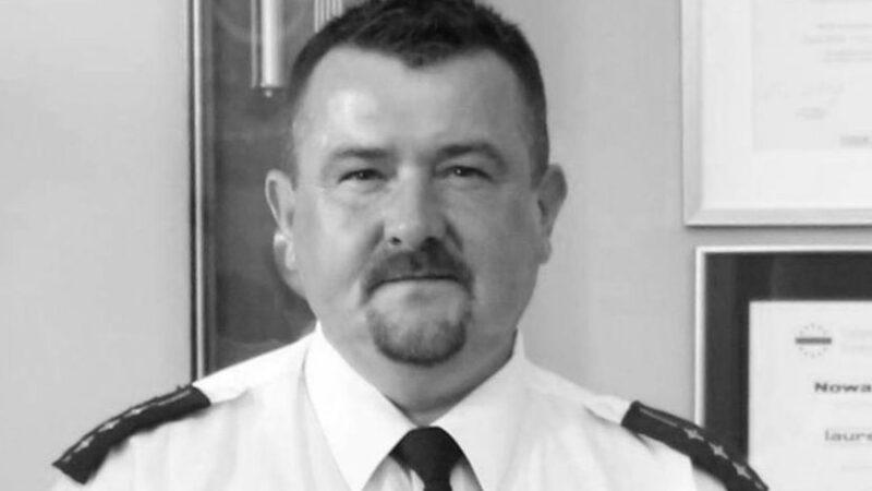 na zdjęciu strażnik miejski Rafał Mrowiński