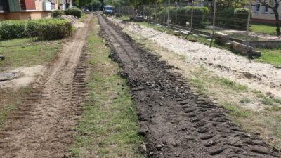 Początek prac budowlanych na osiedlu Fredry. Na zdjęciu droga za miejskim żłobkiem w trakcie inwestycji
