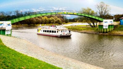 Na zdjęciu znajduje się statek turystyczny Laguna