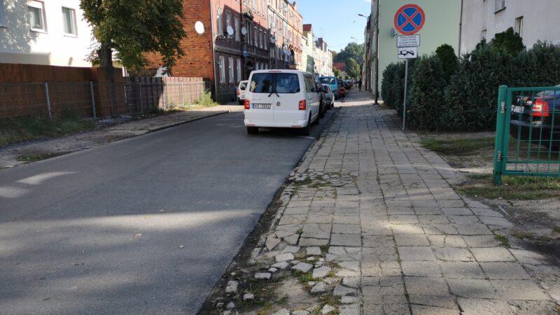 chodniki na ulicy wesołej przed remontem